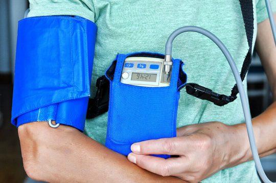 هولتر فشار خون (پایش ۲۴ ساعته فشار خون)